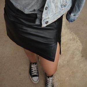 Alfani 100% leather mini skirt with slit size 10